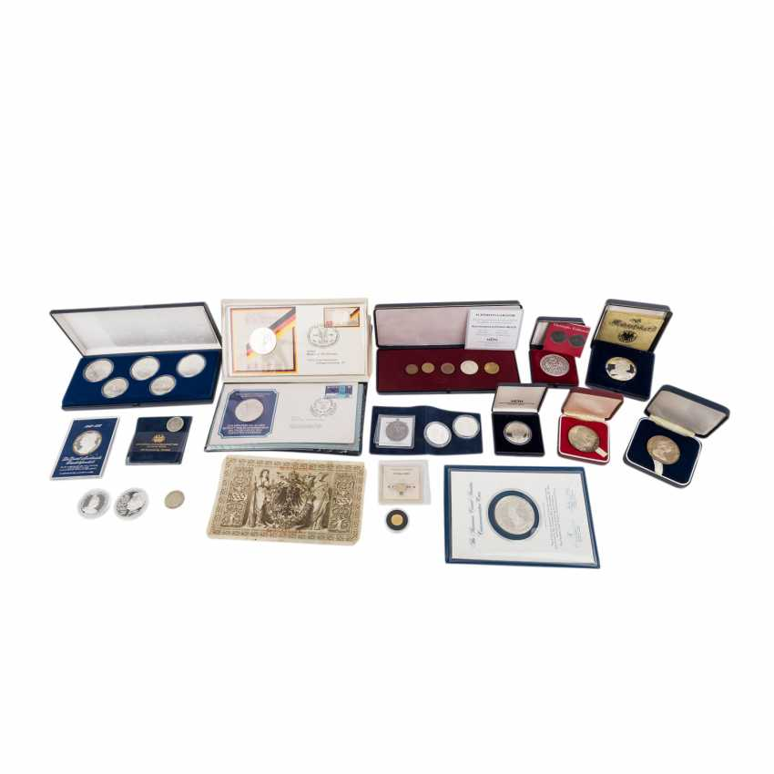 Bunte Mischung Münzen aus aller Welt, mit GOLD und SILBER - - Foto 1