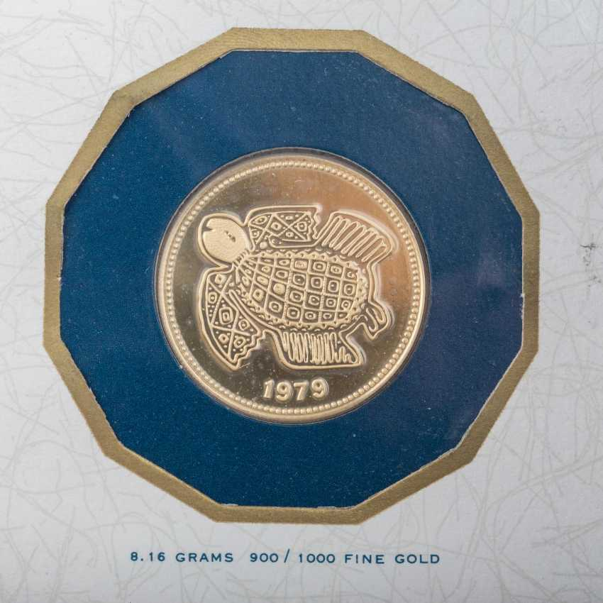 Vintage exotic gold coins, among others - photo 6