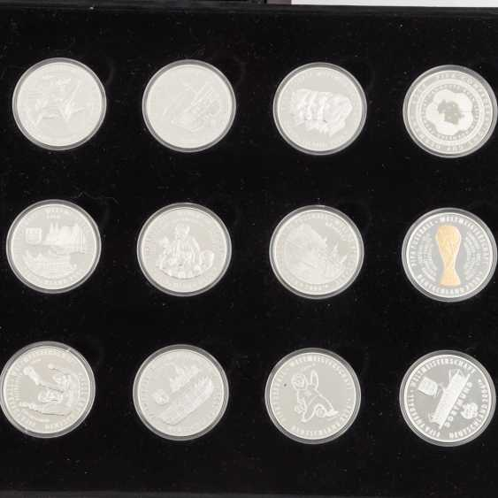 SILVER - 25 Sterling silver medals, - photo 3