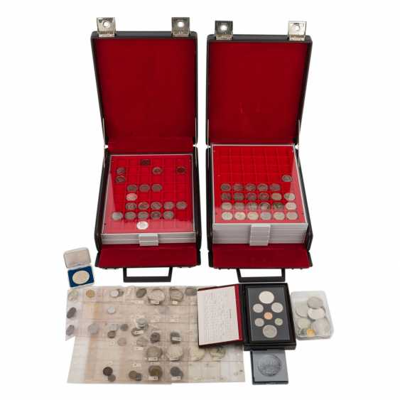 The rest of the collection in two coin cases - THE Commemorative coins, - photo 1