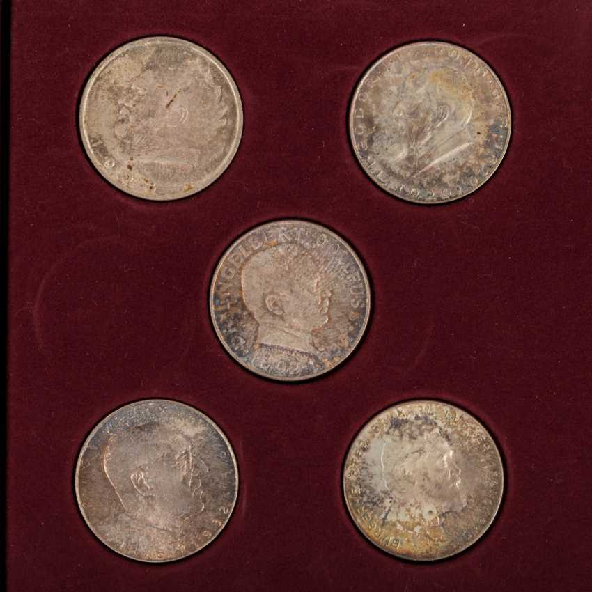 Austria - collection of 10 x 2 shillings, - photo 3