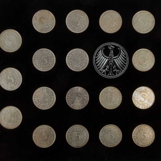 BRD / silver-eagle - collection of 73 x 5 DM coins - photo 3