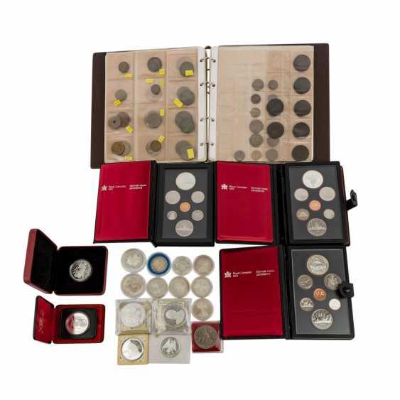 Coin album and loose coins - photo 1