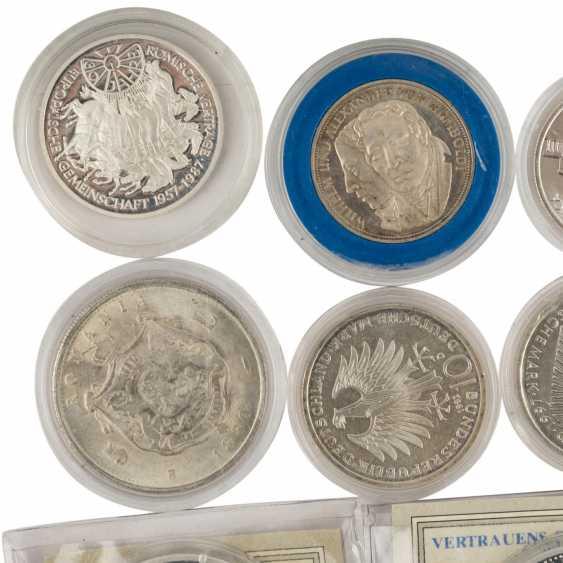 Coin album and loose coins - photo 2