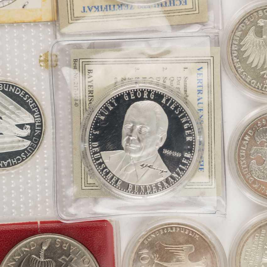 Coin album and loose coins - photo 4