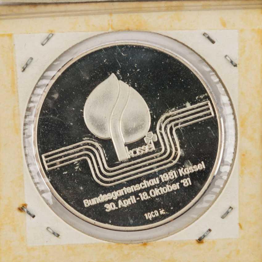 Coin album and loose coins - photo 6