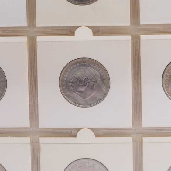 Collection of coins and Bank notes, Dt. Empire to Germany - - photo 5
