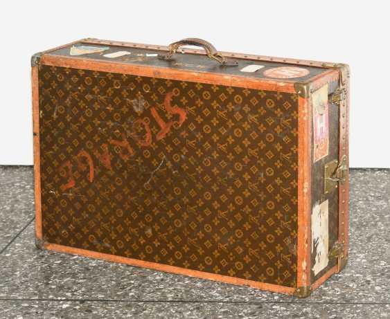 Louis Vuitton wardrobe trunks around 1930/1940 - photo 1