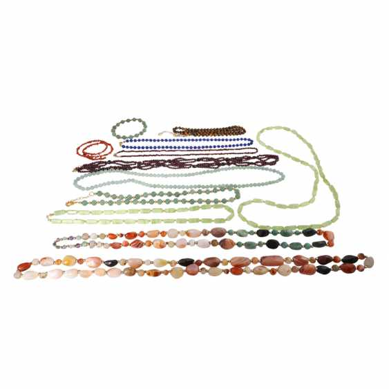 Mixed lot of necklaces and bracelets, - photo 5