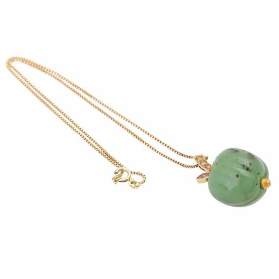 Necklace with nephrite jade pendant is in Apple shape, - photo 4