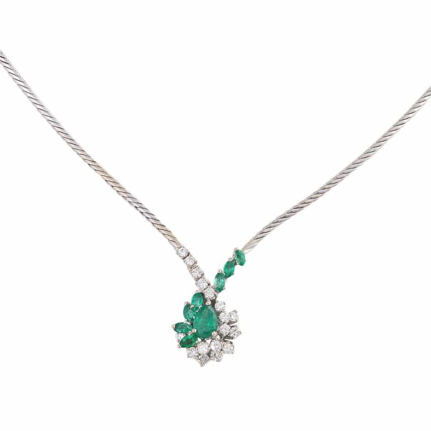 Necklace with emeralds and diamonds - photo 2