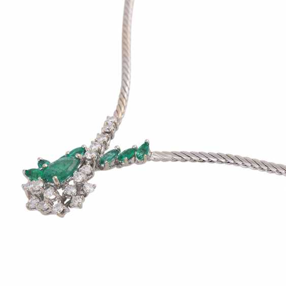 Necklace with emeralds and diamonds - photo 4