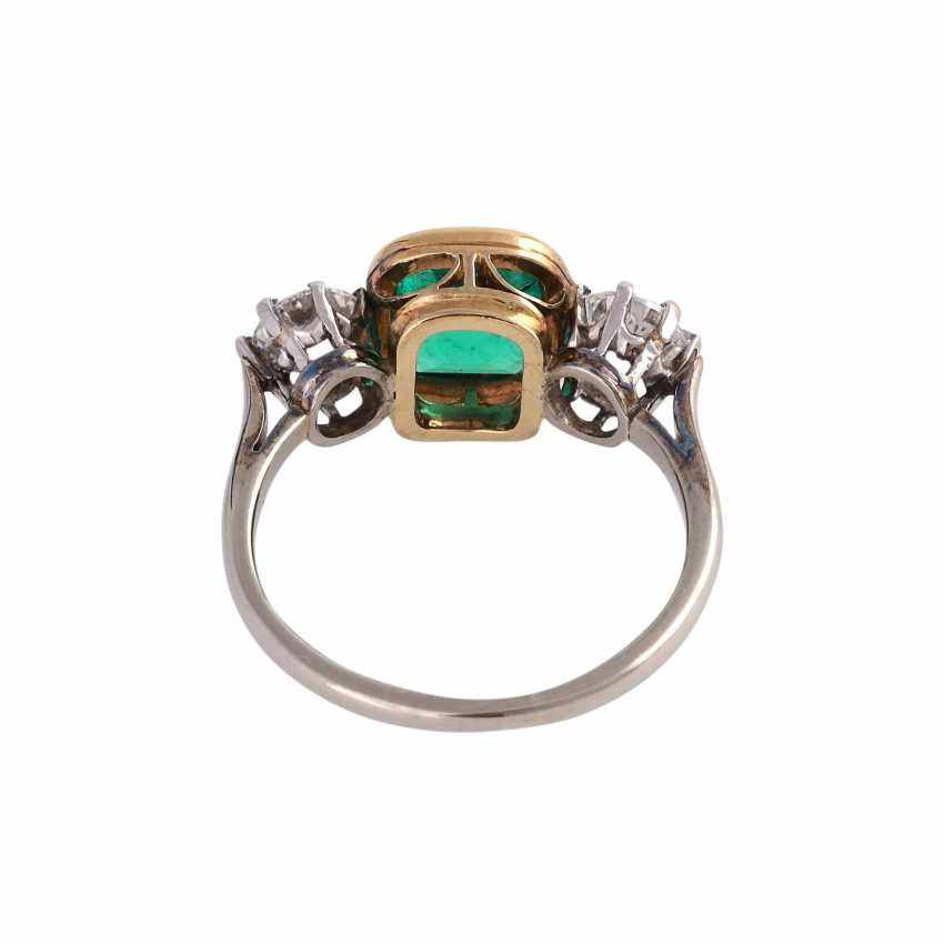 Emerald ring approx 1.2 ct with 2 brilliant-cut diamonds - photo 4