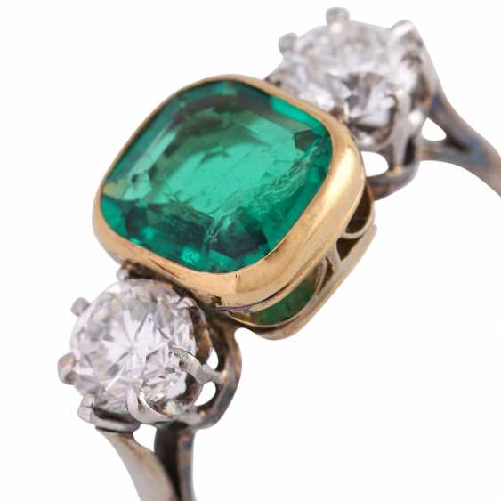 Emerald ring approx 1.2 ct with 2 brilliant-cut diamonds - photo 5
