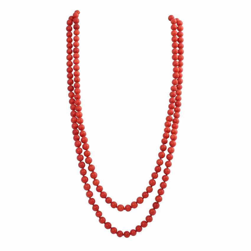 Long necklace made of Coral beads, D: approx. 8 mm, - photo 1