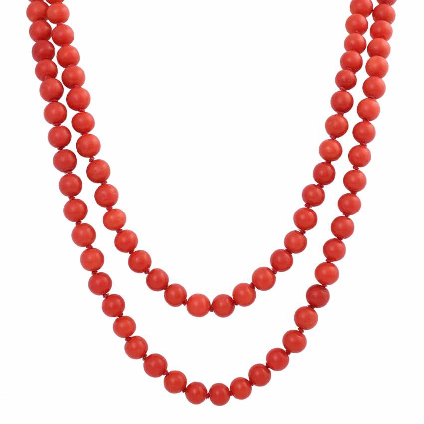 Long necklace made of Coral beads, D: approx. 8 mm, - photo 2