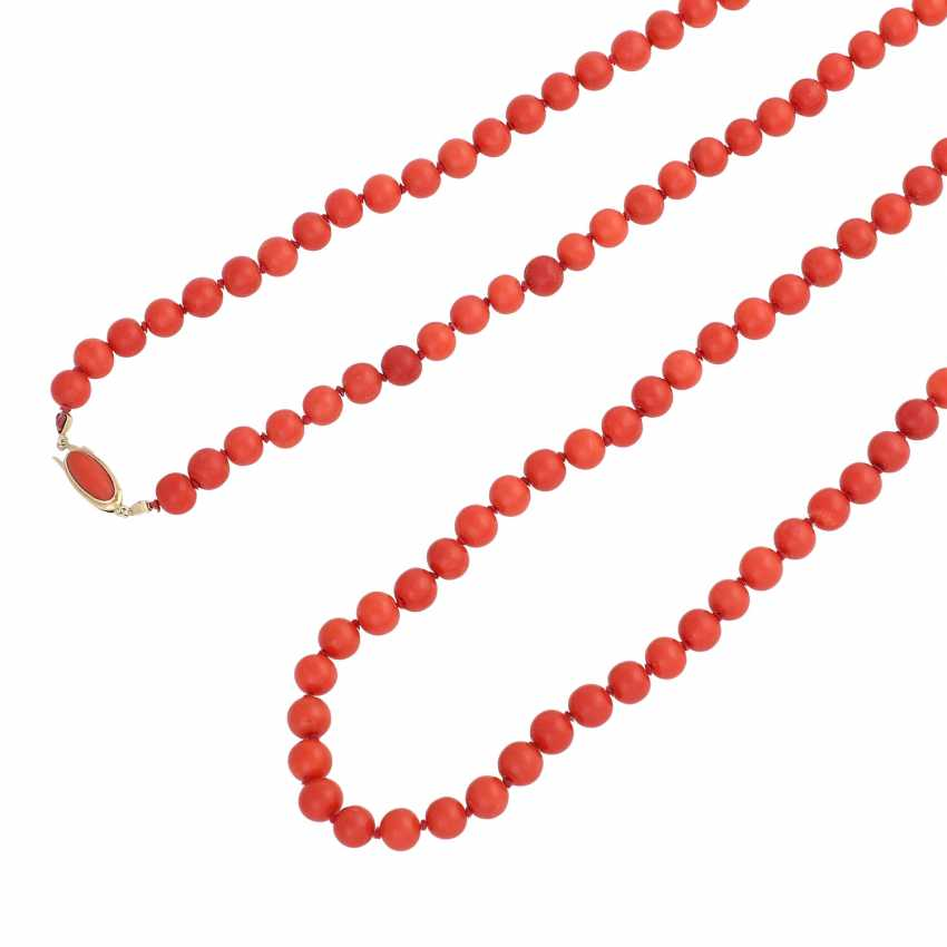 Long necklace made of Coral beads, D: approx. 8 mm, - photo 4
