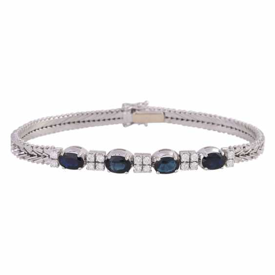 Bracelet with 4 oval fac. Sapphires, together CA. 3,6 ct - photo 1