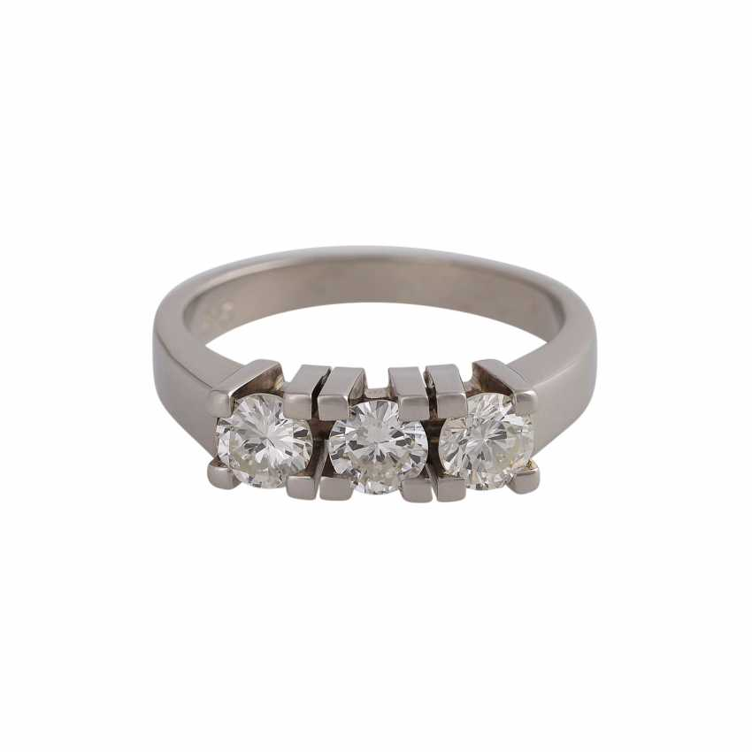 Ring with 3 brilliant-cut diamonds, approximately 0.9 ct, GW-GET (L-M)/VVS-VS, - photo 1