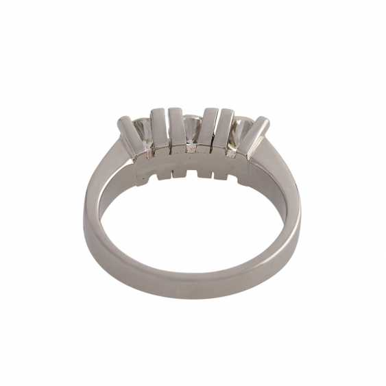 Ring with 3 brilliant-cut diamonds, approximately 0.9 ct, GW-GET (L-M)/VVS-VS, - photo 4