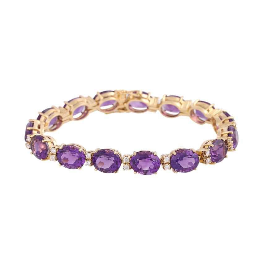 Bracelet with 15 oval fac. Amethysts, approx 35 ct., - photo 1