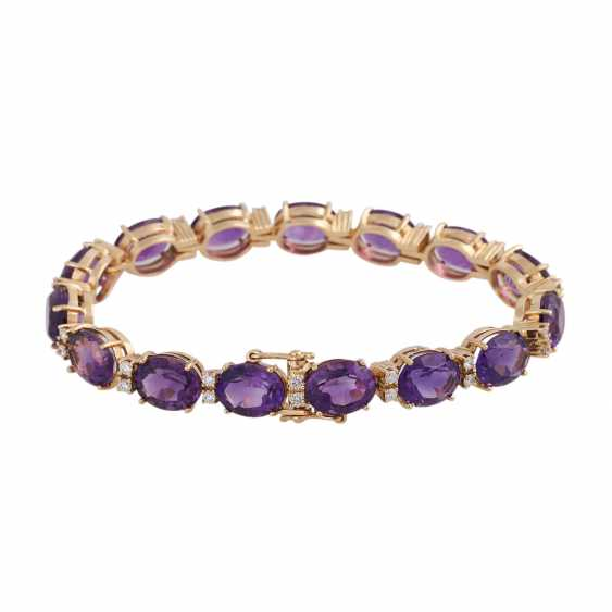 Bracelet with 15 oval fac. Amethysts, approx 35 ct., - photo 2