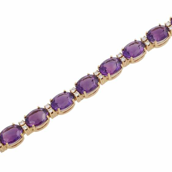Bracelet with 15 oval fac. Amethysts, approx 35 ct., - photo 4