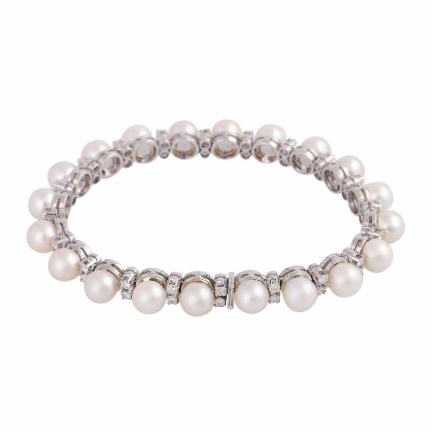 Bracelet with 20 Akoya-cultured pearls, D: approx 6,5-7 mm, - photo 2