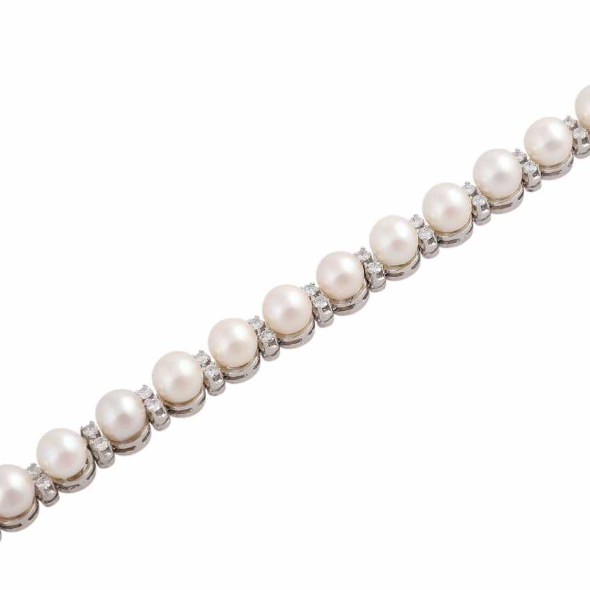Bracelet with 20 Akoya-cultured pearls, D: approx 6,5-7 mm, - photo 4
