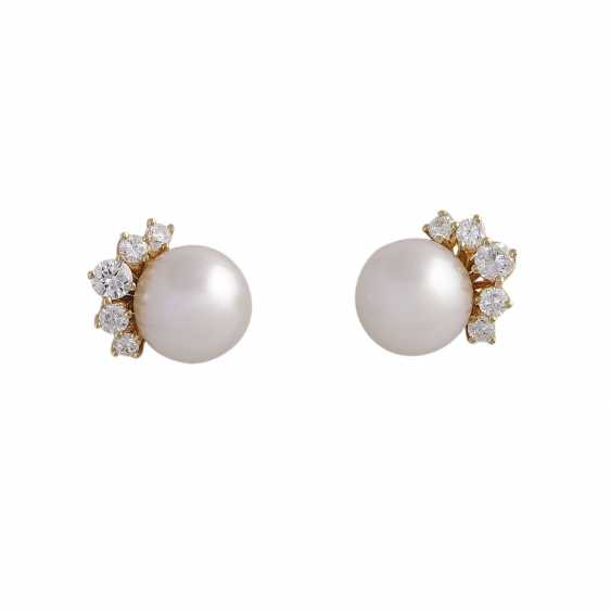 Stud earrings with 1 ultra-fine pearl, D: approximately 9.3 mm - photo 1