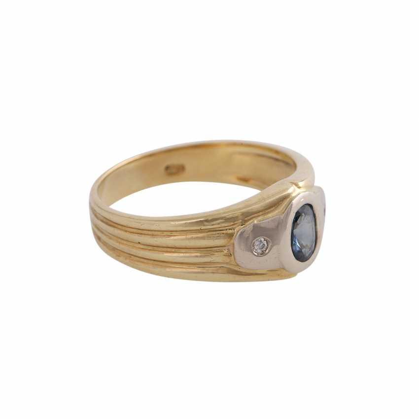 Sapphire ring with 2 imitation stones - photo 2