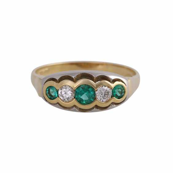 Ring with 3 round fac. Emeralds of beautiful colour - photo 1