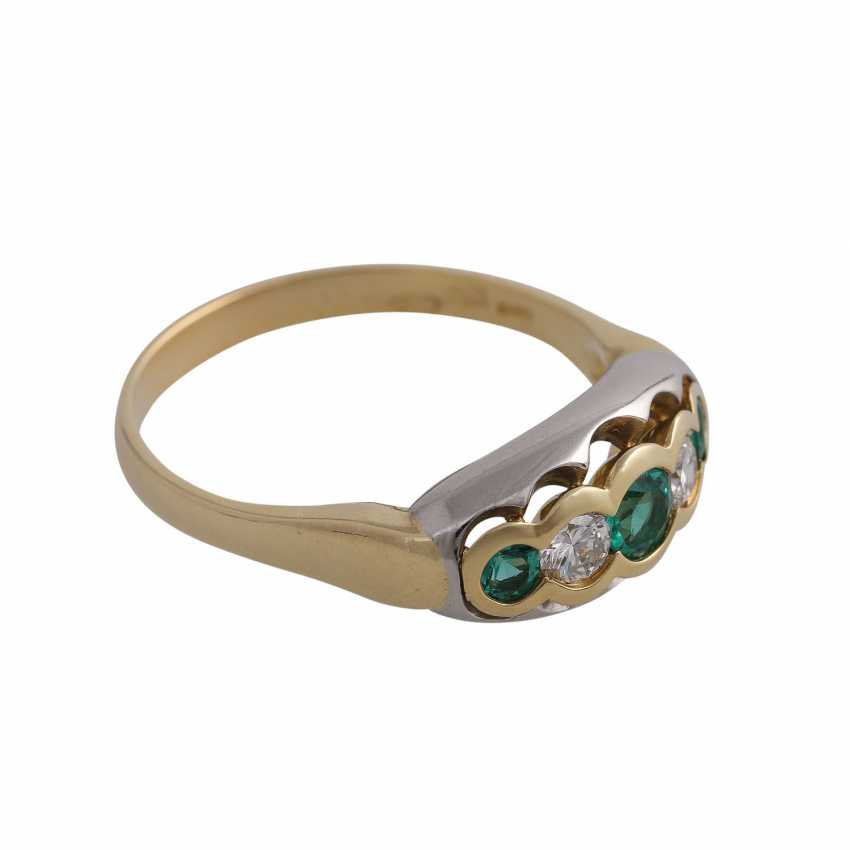 Ring with 3 round fac. Emeralds of beautiful colour - photo 2