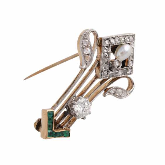 Brooch with emeralds and diamonds, - photo 2