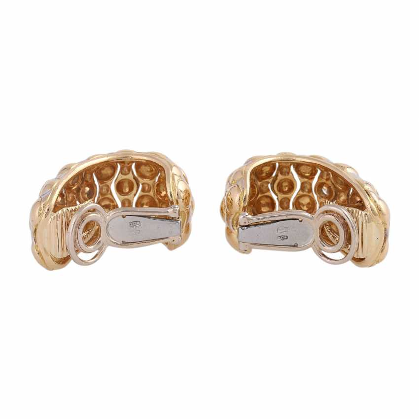 Clip-on earrings set with 14 brilliant-cut diamonds, together CA. 0,75 ct, - photo 4