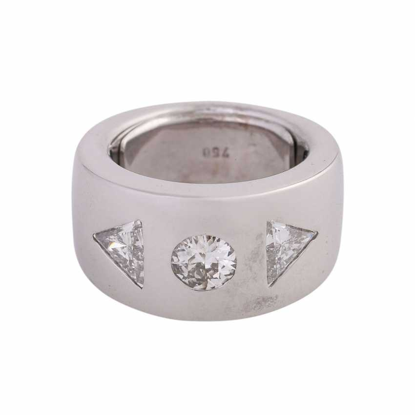 Ring with 3 diamonds, approximately 1.5 ct, - photo 1