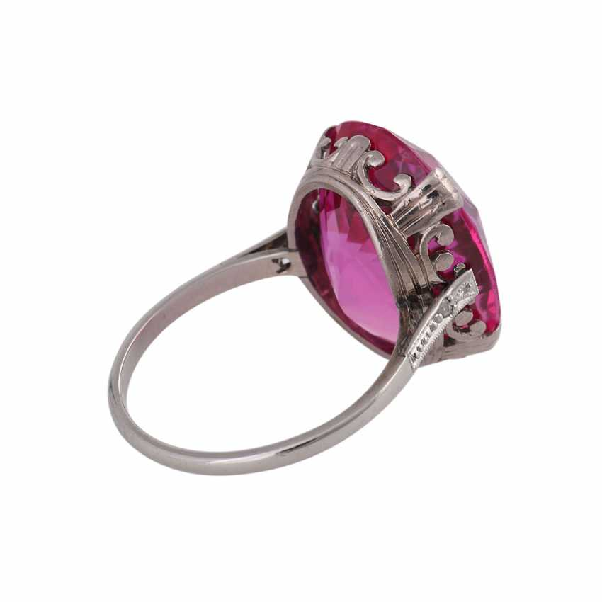 Ring with synth. Sapphire, pink, faceted oval, min. spine - photo 3