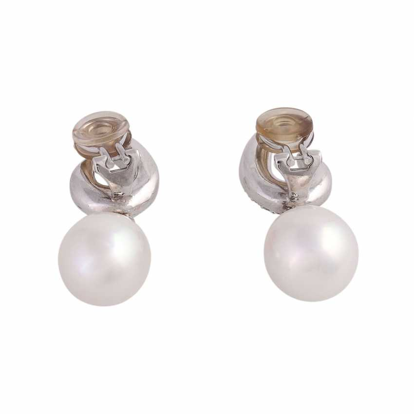 Clip-on earrings with 2 South sea cultured pearls and diamonds - photo 4