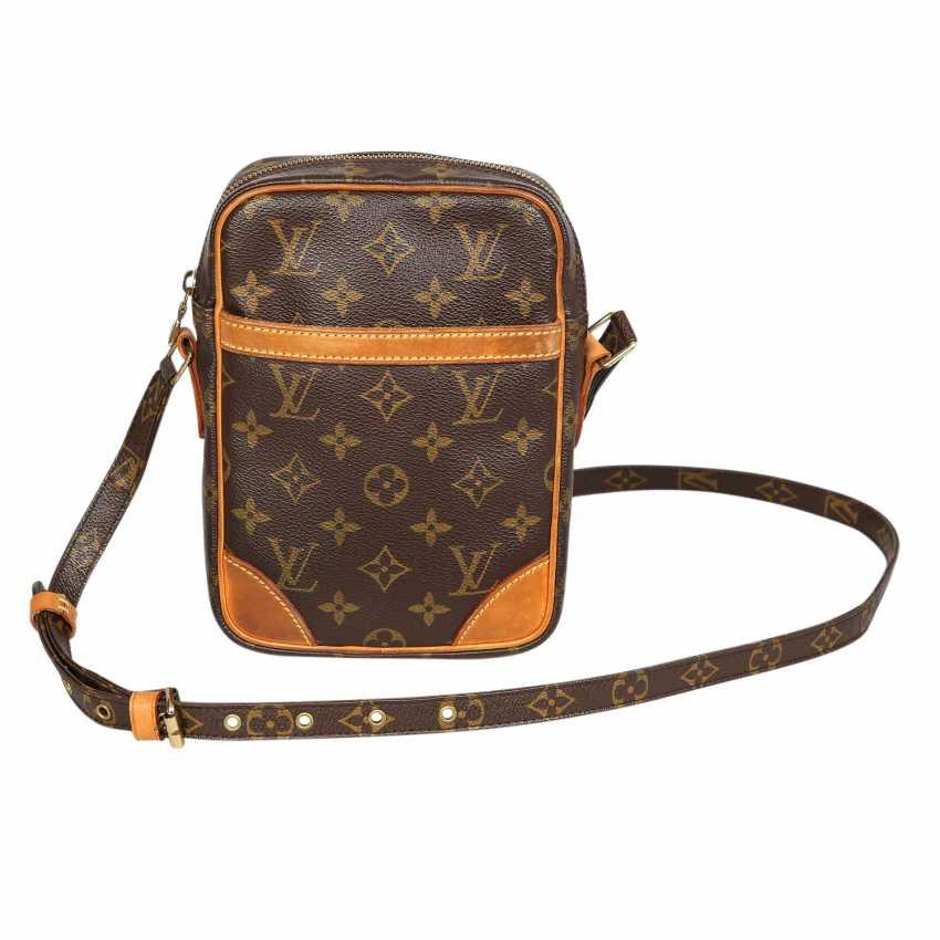 d531d67bf7 Lot 9. LOUIS VUITTON shoulder bag