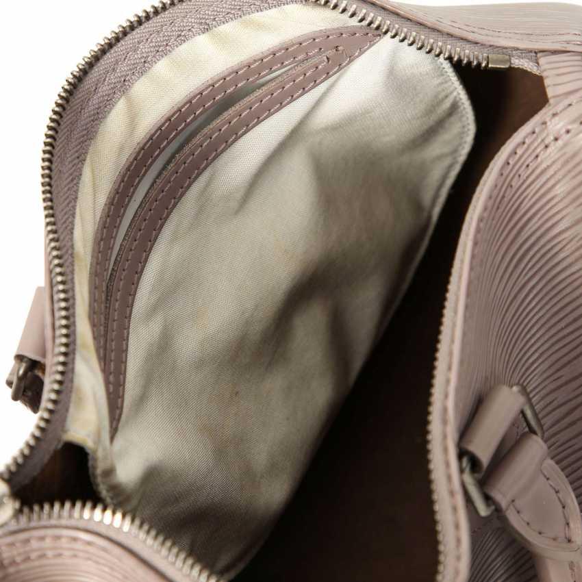 d6aa9e94e Lot 12. LOUIS VUITTON handbag