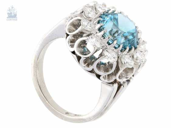 Ring: interesting and extremely decorative vintage ladies ring with large color stone and fine diamonds - photo 3