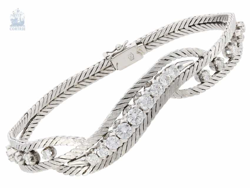 Bracelet: vintage diamonds, approximately 1.5 ct fine brilliant, high-quality crafted from 18K white gold - photo 1