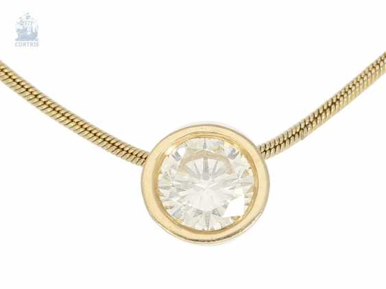 Chain/necklace/pendant: fine gold snake chain with a solitaire/diamond pendant, approximately 0.8 ct - photo 1