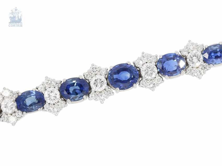 Bracelet: valuable and elaborately crafted vintage sapphire/brilliant-wrought gold bracelet, approx. 8ct, crafted from 18K white gold - photo 2
