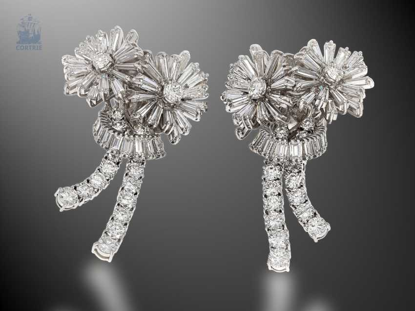 "Earrings: exclusive and extremely high-quality vintage goldsmith work in the ""Diamond Flowers"" style of the 60s, handmade, approx. 9ct finest diamonds - photo 1"
