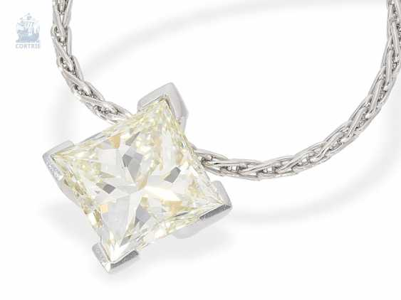Chain/necklace: fine chain necklace with high quality, modern diamond pendant in platinum and 18K yellow gold, large, diamond in Princess-Cut approx. a 2.2 ct, including advice - photo 4