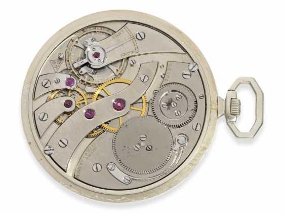 "Pocket watch: exquisite, super-flat Art Deco Frackuhr with a platinum case, ""Breguet-type"", Robert Cart of Le Locle No. 12122, CA. 1920 - photo 3"