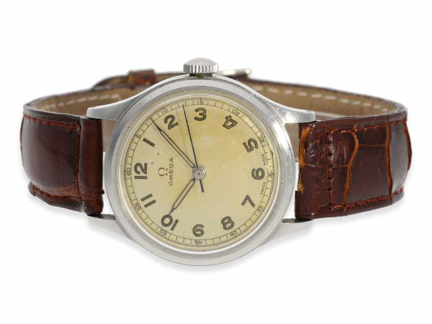 Watch: early, wide, Omega steel watch with Central second, reference 2179, CA. 1945 - photo 1