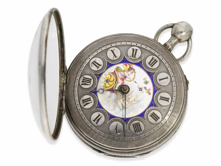 "Pocket watch: attractive silver Spindeluhr with an unusual Repetition and fine enamel painting ""Cupid shoots arrows of Love"", a major Geneva-based watchmaker, Freres Esquivillon No. 1090, CA. 1810 - photo 3"