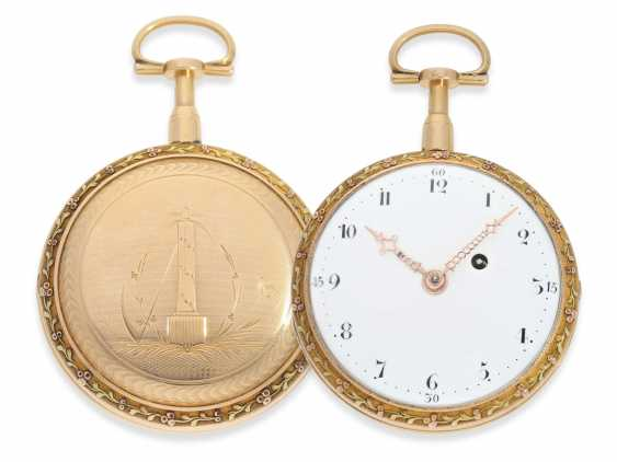 Pocket watch: a magnificent 3-colors-gold watch with strike on bell, excellent original condition, probably Geneva to 1800 - photo 1